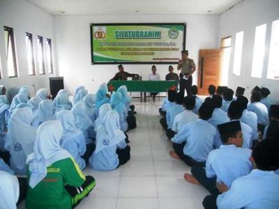 Prihatin Peredaran Narkoba di Jombang, Polisi Dekati Madrasah