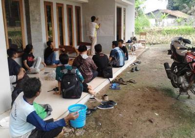 Kader IPNU Tasikmalaya Terjun ke Sawah Kembangkan Pertanian Organik