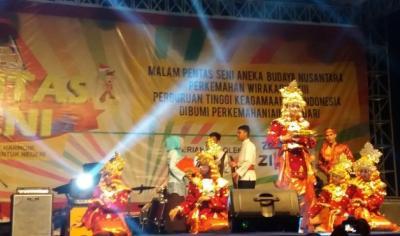 Ragam Tampilan Seni dan Budaya Nusantara oleh Pramuka Mahasiswa di Kemah PTK