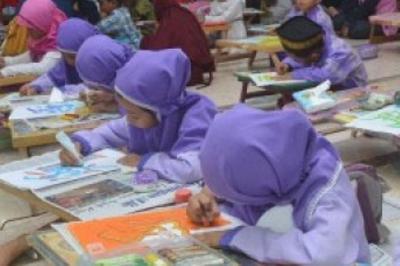 Berbagi Ceria di Bulan Ramadhan, Universitas Pasundan Gelar Kompetisi Kaligrafi