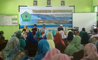 Yapisma Gelar Pelatihan untuk Guru Hebat