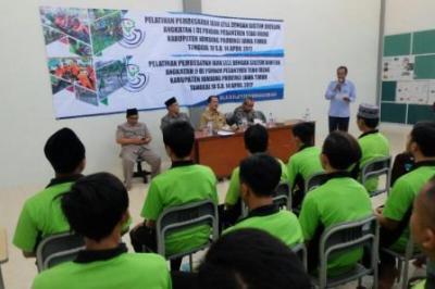 Santri Jombang Belajar Budidaya Lele Sistem Bioflok