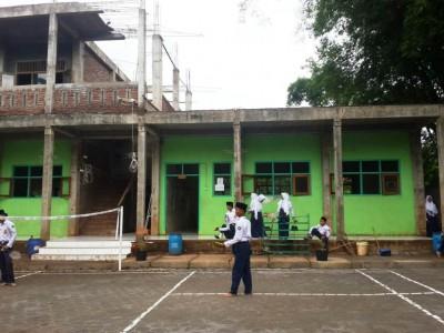 MTs Plus Sabilunnajah Kendal, Madrasah Bercirikan Pesantren