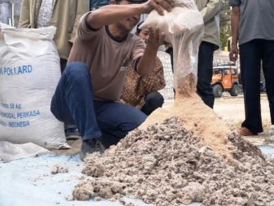 Peternak Pacitan Menerima Pelatihan Pemanfaatan Sampah Organik