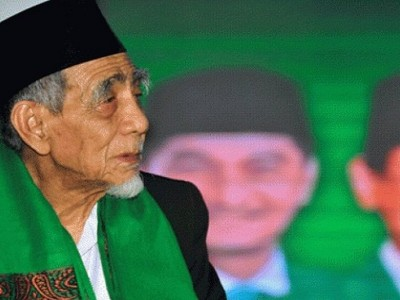 Mbah Maimoen Jangkar Pesantren, NU, dan Islam Indonesia