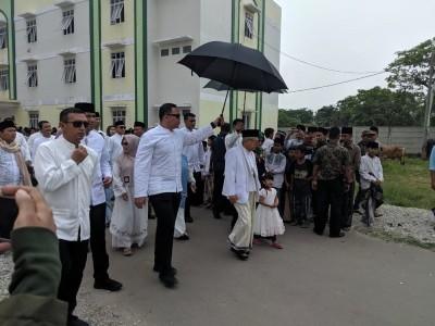 Berlebaran di Tanara, KH Ma'ruf Amin Potong 11 Ekor Sapi