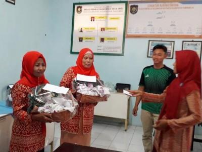 Pemberdayaan Warga, KKN STAI An-Nawawi Purworejo Pelatihan Mahar dan Rajut
