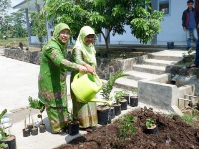 Muslimat NU Dorong Pengadaan Kebun Sehat di Pesantren-pesantren