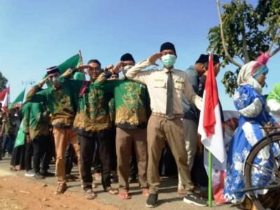 Santri Ganding Sumenep Gelar Pawai Bendera NU dan Merah Putih