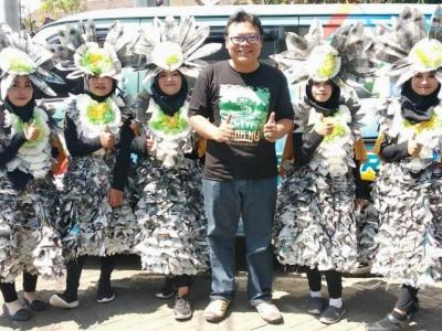 SMKNU di Bondowoso Tampil Karnaval dengan Busana Daur Ulang