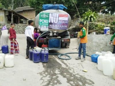 Gandeng Ansor dan LAZISNU, LPBINU Mojokerto Bantu Air Bersih ke Warga