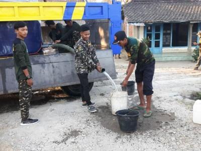 Kemarau Panjang, Banser di Magetan Kawal Pengiriman Air Bersih