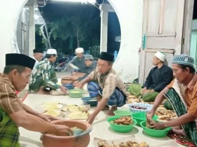 Pesantren di Bojonegoro Jaga Tradisi Tumpengan pada 10 Muharram