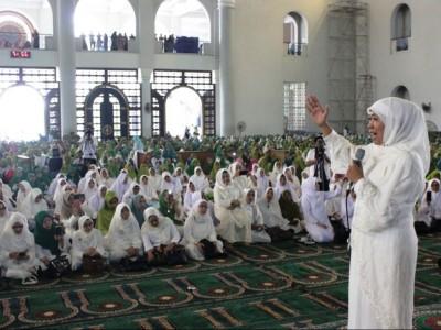 Khofifah Indar Parawansa Ajak Muslimat NU Seriusi Dakwah Ekonomi