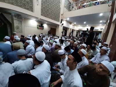 Ngaji Langsung Bareng Habib Umar bin Hafidz di PBNU, Jamaah Membludak