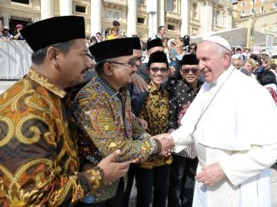 Ketika GP Ansor Bawa Misi Perdamaian Islam ke Paus Fransiskus di Vatikan