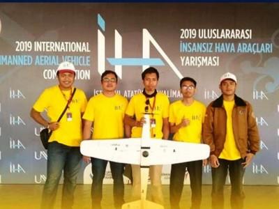 Alumni SMA Nuris Juara 1 Kompetisi Robot di Turki