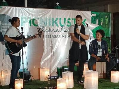 Jalan Dakwah Komuji, Kajian Islam dan Suguhan Musik