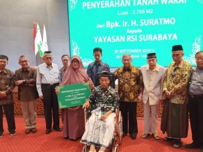 Pasangan Ini Wakafkan Tanah Rp1,2 Miliar ke Yayasan RSI Surabaya