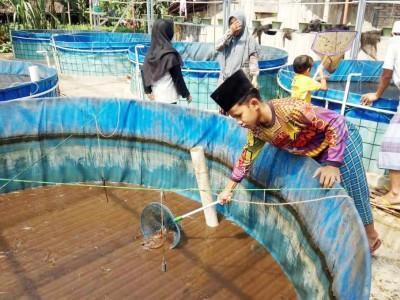 Pesantren Miftahul Huda Semarang Latih Santri Budidaya Lele