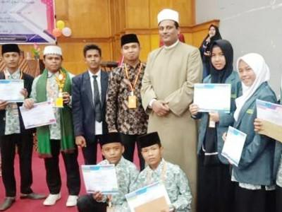 Santri Padang Pariaman Juara Pidato Bahasa Arab di IAIN Batusangkar