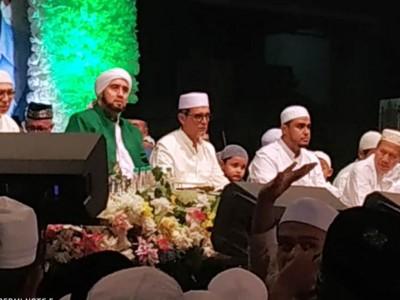 Di Gresik, Habib Syech Ajak Masyarakat Kian Cinta kepada Nabi Muhammad