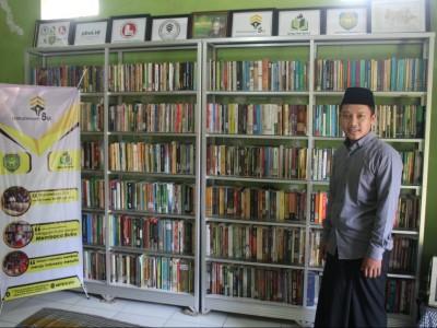 Modal Uang Jajan, Santri Bangun Perpustakaan di Kampungnya