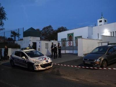 Kakek 84 Tahun Serang Masjid di Prancis, Dua Orang Terluka