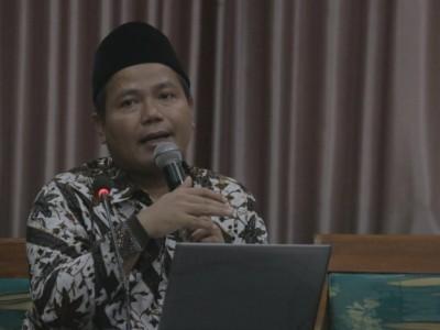 Sabbatical Leave di Syekh Nurjati, Kiai Harisudin: Dosen IAIN Harus Moderat