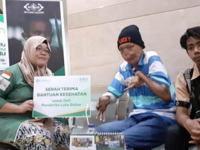 NU Care-LAZISNU Serahkan Bantuan Pengobatan untuk Penderita Luka Bakar