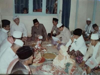 Qasidah Barzanji, Orang Betawi, dan Maulid Nabi