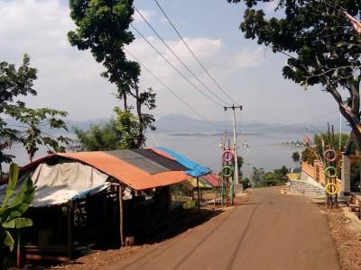Kerja Sama Masyarakat Terdampak Relokasi Waduk Jatigede Sumedang