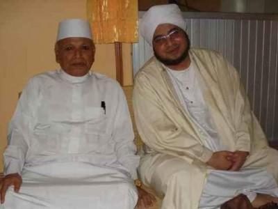 Kedekatan KH Abdurrahman Nawi dan Habib Mundzir, Seperti Ayah dan Anak