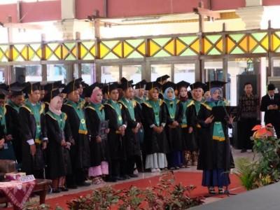Bupati Minta Lulusan IBN Bangun Pendidikan di Tegal