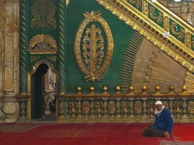 Hukum Menghias Masjid menurut Mazhab Syafii