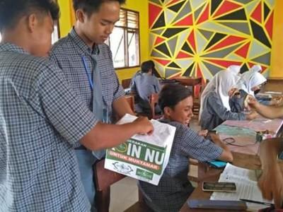 Berharap Barokah, Pelajar NU di Pamekasan Galang Dana untuk Muktamar