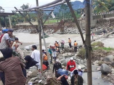 Suasana 'Horor' Perjalanan Tim LTM PBNU ke Desa Terdampak Longsor Bogor