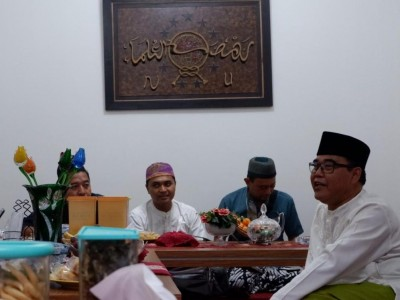Hubungan Pesantren Sukabumi dan Jombang