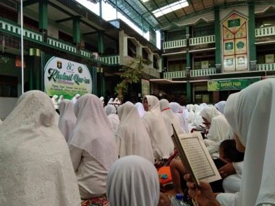 Peringati Harlah Dasa Windu, Madrasah Banat NU Kudus Gelar 80 Khataman Qur'an