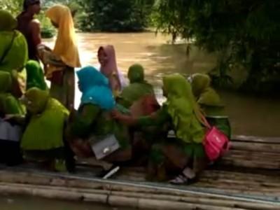 Naik Getek, Perjuangan Ibu-ibu Ikuti Pengajian Muslimat NU di Lampung Timur