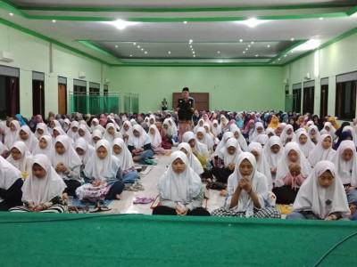 Ratusan Santri Mambaul Ma'arif Jombang Hilangkan Malas dengan Ruqyah