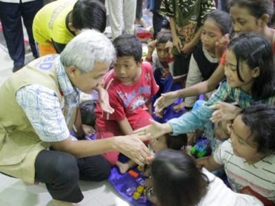 Cegah Banjir, Gubernur Jateng Ingatkan Warga Pekalongan Jaga Kebersihan