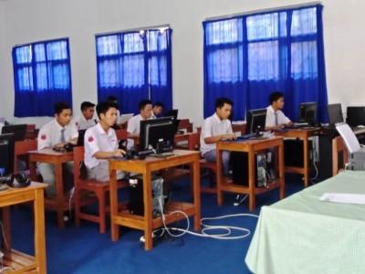 LP Ma'arif NU Bondowoso Pantau Ujian Berbasis Komputer