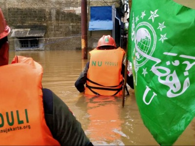 Jakarta Kembali Banjir, Tim NU Peduli Gerak Cepat Evakuasi Korban