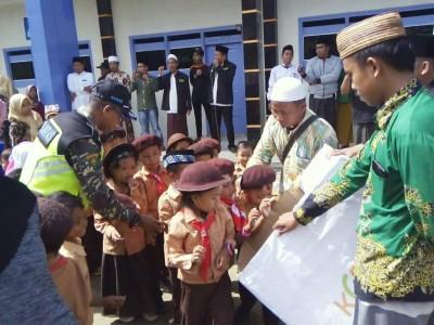 Shalawat Badar Sambut Kirab Koin Muktamar NU di Sumenep