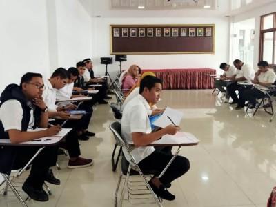 Bakal Calon Ketum PB PMII dan Kopri Jalani Tes TOEFL