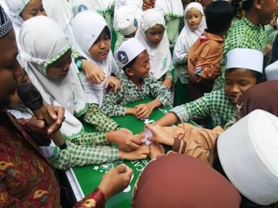 Kirab Koin Muktamar Sapa SD hingga SMA Islam Maryam Surabaya