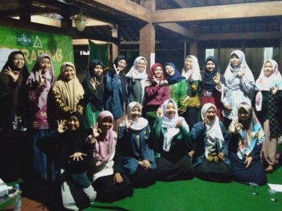IPPNU Kota Cirebon Kampanye Peduli Lingkungan di 25 Titik