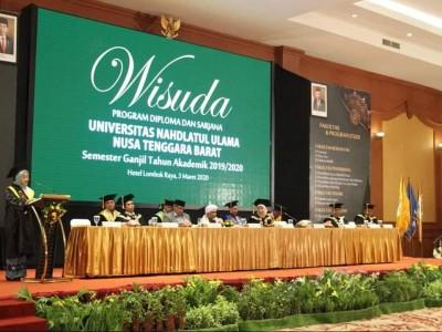 Gelar Wisuda Perdana, Lulusan UNU NTB Diimbau Lanjutkan Studinya