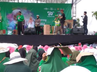 Kapolres Rembang Berikan Hadiah SIM Gratis di Harlah Fatayat NU